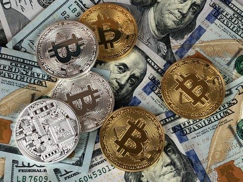 ביטקוין מעל לדולר